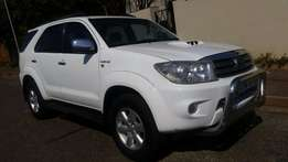 2010 toyota fortuner automatic 4x4 3.0 d4d white