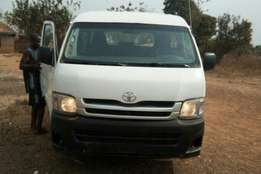 Clean 2010 Toyota Hiace bus