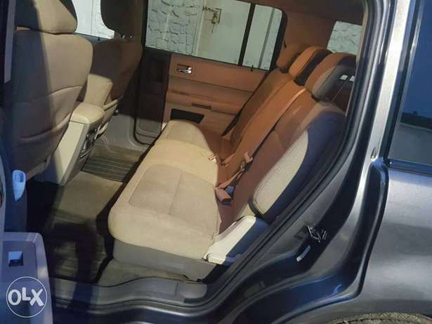 FORD FLEX 2010 Model now on Offer Lagos Mainland - image 3