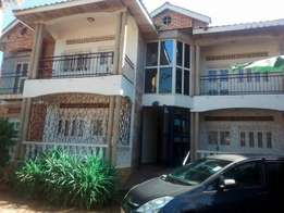 Mutungo 2bedrooms 2toilets at 900k