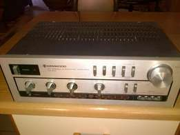 Beautiful Kenwood KA 400 Stereo Integrated Amplifier For Sale