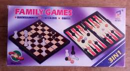 3 in 1 game (backgammon, chess and checkers)