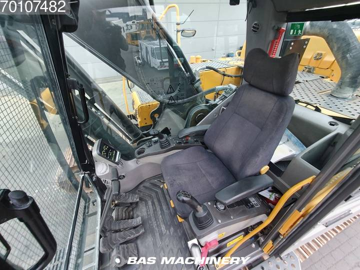 Volvo EC350DL Ready for work - nice and clean - 2016 - image 16