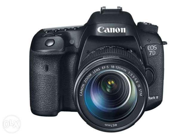 Canon EOS 7D Mark ii kit with 18-135mm IS USM Lens Highridge - image 1