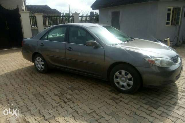 Very clean Toyota Camry, less than 6months used Sagamu - image 3