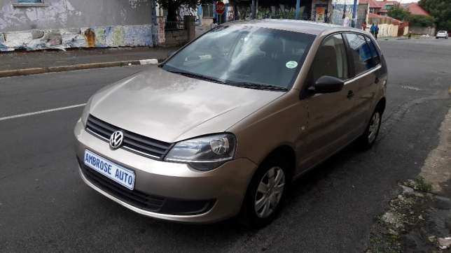2015 Volkswagen Polo Vivo 1.4i is available Johannesburg CBD - image 2
