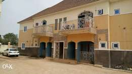 2Bedroom flat in block of flat available to let at ungwa Rimi GRA.