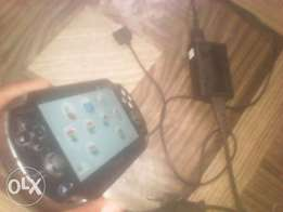 clean psvita wit memory Card an assasin creed game etc