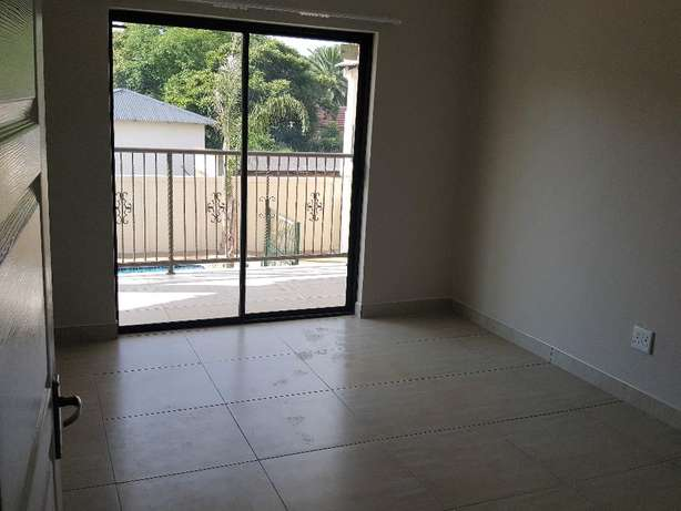 Neat Modern Cluster for rent Benoni - image 3