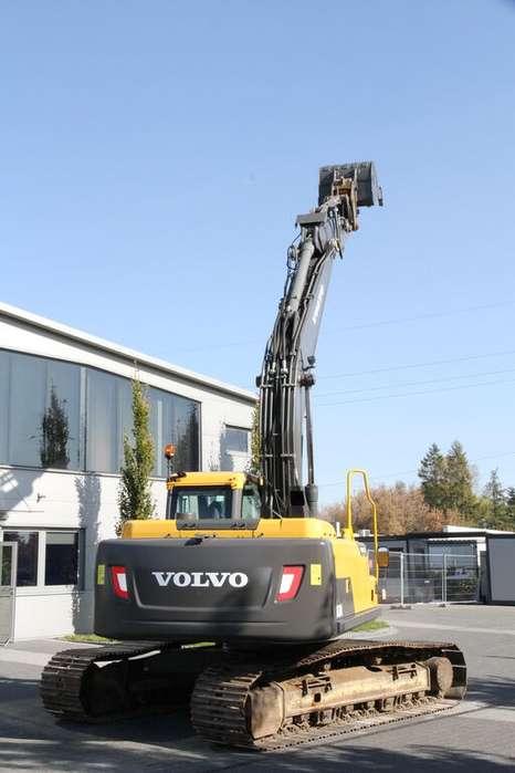 Volvo EC 220DL - 2014 - image 4