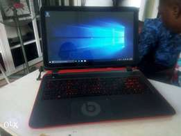 HP Pavilion 15 TouchScreen 500gb/4gb With Graphics And Beats Audio