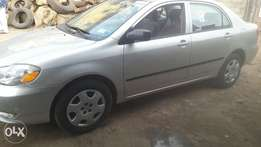 Tokunbo 2004 Toyota corolla LE for 1.9m