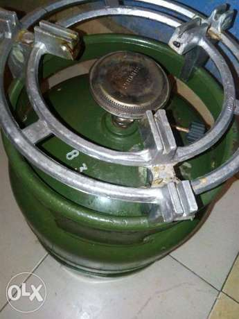 2 6kg gas cylinders with a burner and the stand Unoa - image 1