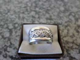 18 ct White Gold Ring