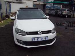 Polo 6 1,6 TDI Model 2014,5 Doors factory A/C And C/D Player Central