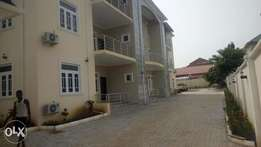 Fully Serviced 3 bedroom flat with a room bq