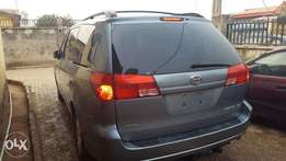Super clean Toyota Sienna 2005 model, just landed frm boston usa