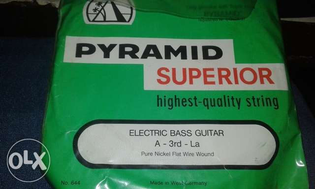 pyramid bass guitar strings