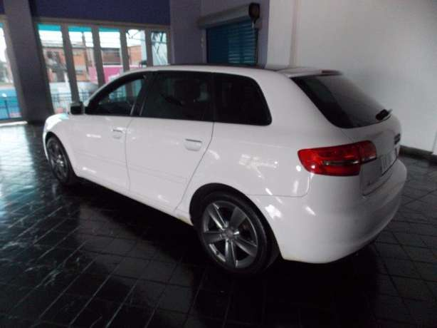 2012 Audi A3 Sportback 1,8 TFSI AMB Stronic for R 199,990.00 Rosettenville - image 5