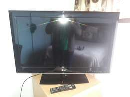 LG 32 inc FHD LED tv