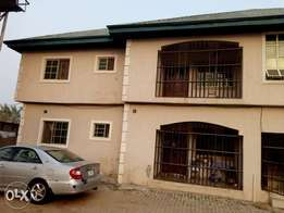 2 bedroom ensuite to let along Immigration, Alagbaka Extension 300k