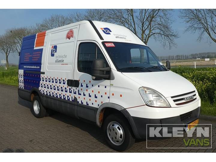 Iveco DAILY 40C15 l2h2 ac - 2009