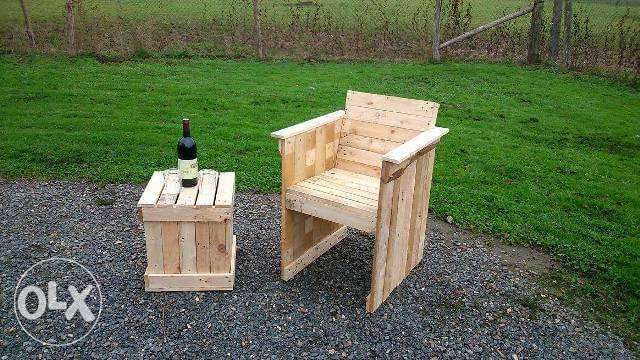 Pallets Handmade chair with table small كرسي وطاولة خشب