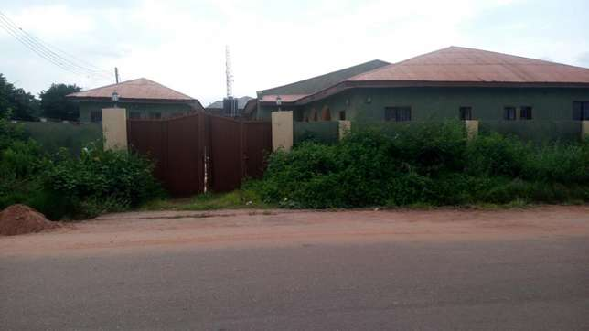 Twin flat (3 Bedroom flat each) with 2 Room and parlor self con Ilorin West - image 5