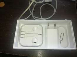 iPhone 5s 16Gig - R2400