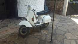 Vespa scooter 150cc better than new