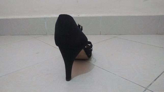 SIZE 43 - (3inch) high heels at throw away price!! Ngara - image 5
