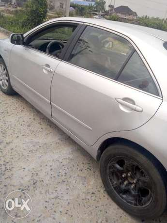 Clean 09/Toyota Camry Biogbolo - image 5