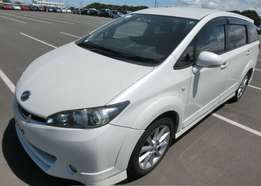 Toyota wish pearl white colour 2010 model excellent condition
