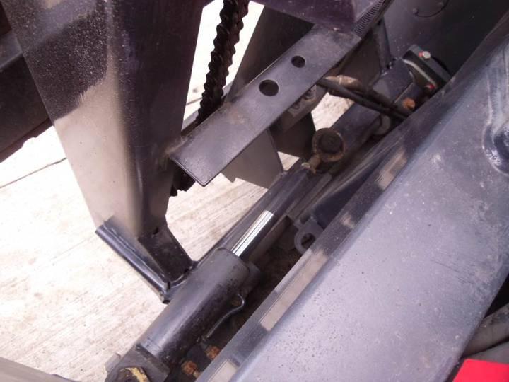 Linde Terberg King Lifter Forklift - 2014 - image 10