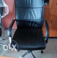 Durable office swivel chair
