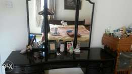 Dressing table with two side tables