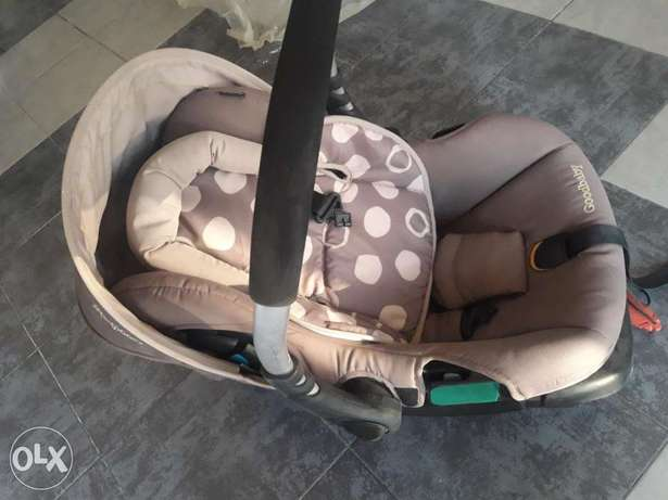 Goodbaby car seat great condition