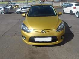 Mazda 2 1.3 dianamic 90000km gold in colour 2008 model R79000
