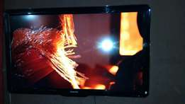 42 inches Philips very clean play USB HDMI pc AV and working perfectly