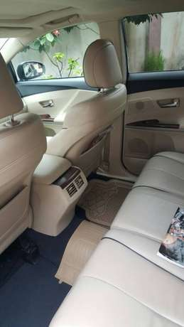Sharp and clean Toyota venza no issues Port Harcourt - image 4