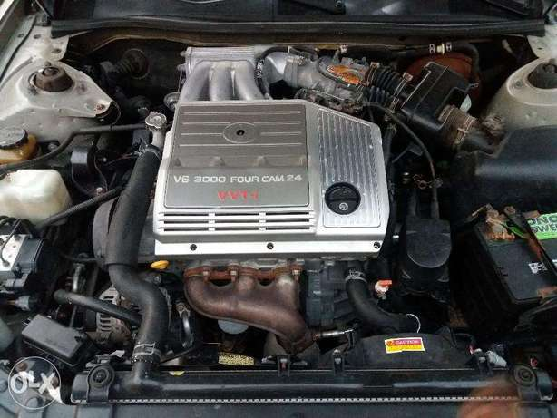 lexus ES 300 with AC working perfectly Ibadan South West - image 8