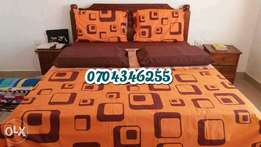 Pure cotton king-sized Bedsheets with four pillow cases