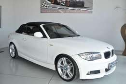 BMW 120 I CONVERT Sport A/T in mint condition and low mileage