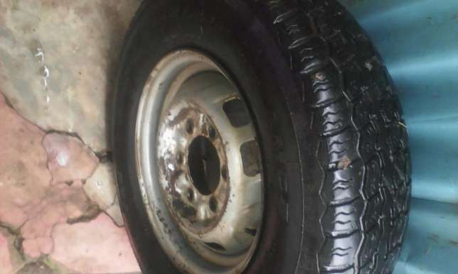 used Linglong R14 tire and steel rim Ongata Rongai - image 4