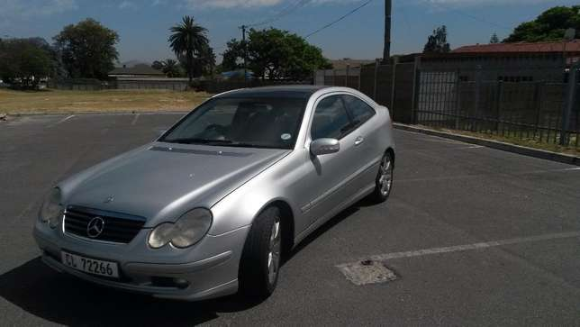 2003 C230 Mercedes Benz Coupe Kuils River - image 3
