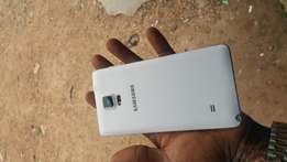 UK used whit samsung galaxy note 4 for sale for a very low price