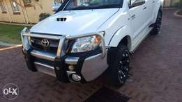 Toyota hilux dbl cabin 2.5 litre