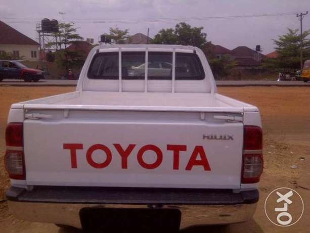 VERY SHARP 2012 Toyota Hilux (High Jack) up for Grabs! Abuja - image 4
