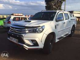White Hilux 2011, like new, very clean, mzungu owner