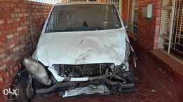2004 Mercedes Benz Vito. Front smash